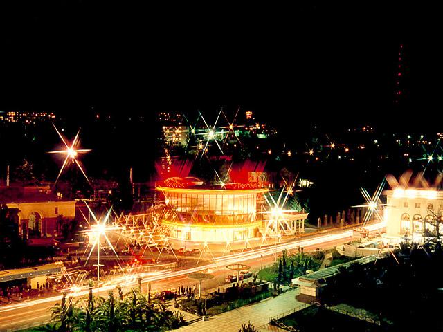 """Как превратить в Сочи ночной град в прекрасную """" открытку"""